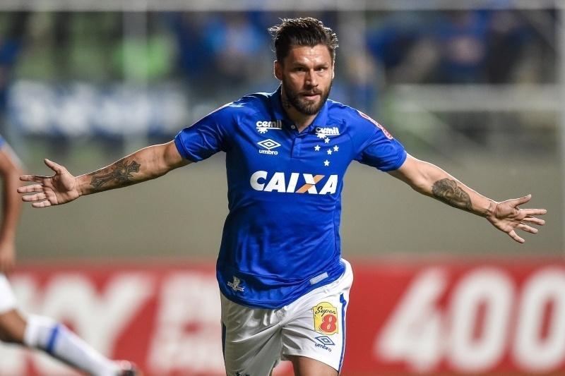 Rafael Sóbis marca seu primeiro gol com a camisa do Cruzeiro