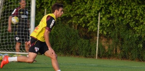 Rodrigo Caio sentiu o joelho e deixou o treino mais cedo