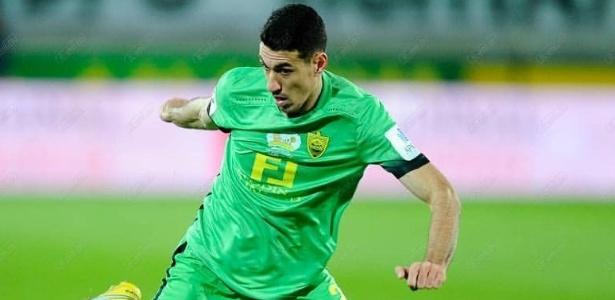 Xandão, do Anzhi da Rússia, foi oferecido, mas o Grêmio não tem interesse