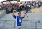 """Goleiro """"gordinho"""" recebe carinho e tira selfie com torcida do Corinthians - UOL"""