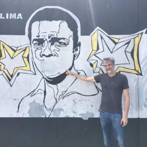 Paulo Consentino mostra atual estado do mural do CT Rei Pelé