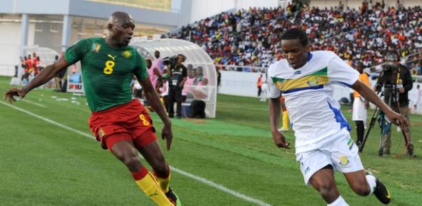 Moise Bou Apanga (dir) atuou pela seleção do Gabão de 2007 a 2013