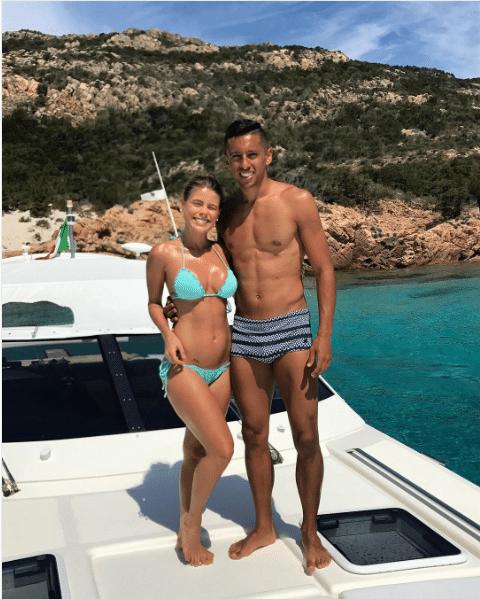 Marquinhos, atualmente no PSG, passa férias na Sardenha com sua mulher grávida, Carol Cabrino