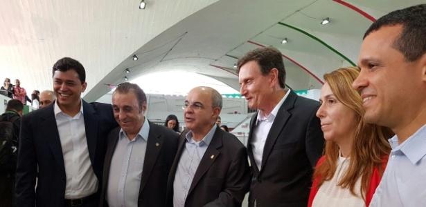 Marcelo Crivela (dir) esteve na cerimônia para inauguração da Arena Flamengo