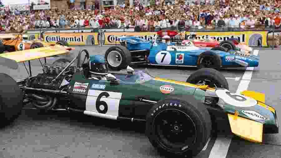 Carros da F1 alinham no grid na temporada 1969 - Arquivo