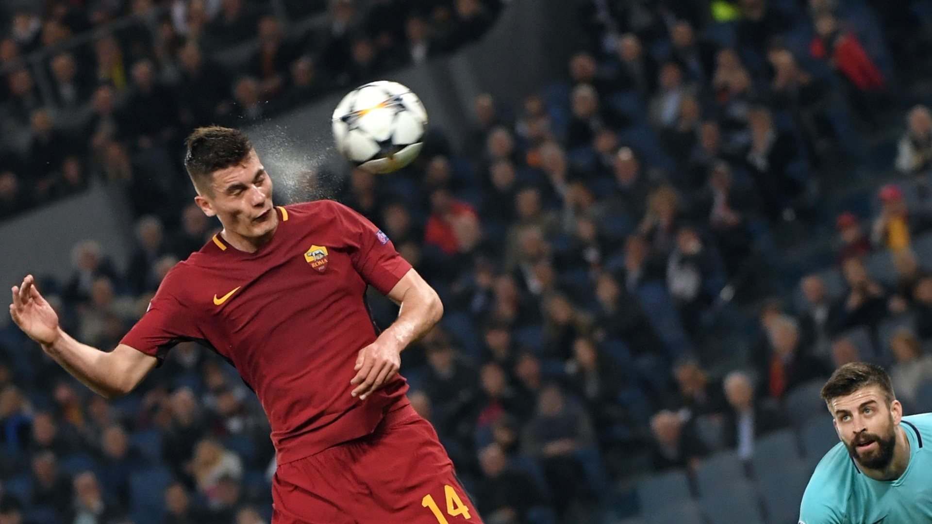 O atacante Patrick Schick em lance do jogo entre Roma e Barcelona, pela Liga dos Campeões