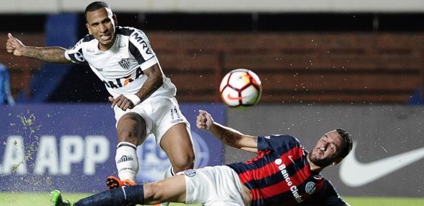 Rómulo Otero defendeu as cores do Atlético-MG entre 2016 e 2018 - AFP PHOTO / JAVIER GONZALEZ TOLEDO