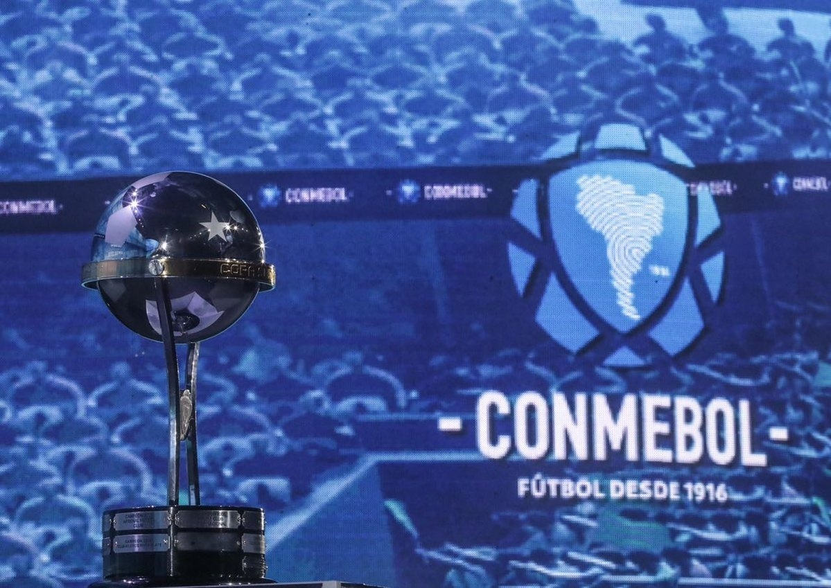 São Paulo encara Colón na 2ª fase da Sul-Americana  confira confrontos -  04 06 2018 - UOL Esporte 6e7bb26bdc3f9