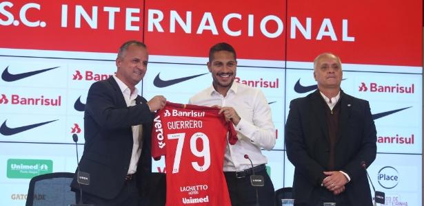 baa307ca2cd Camisa de Guerrero no Inter vende quase 3 mil exemplares em 24 horas ...