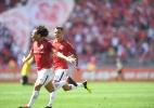 Emocionado, Camilo comemora gol como