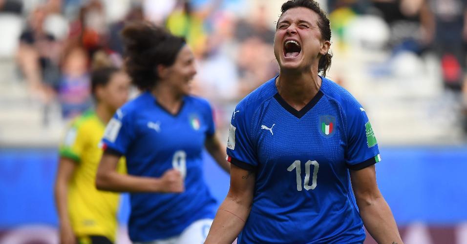 Girelli, atacante italiana faz três gols