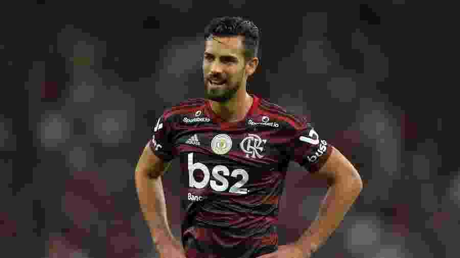 """Para zagueiro espanhol, faltou """"oportunidade de mostrar quem é Pablo Marí"""" no futebol inglês - Thiago Ribeiro/AGIF"""