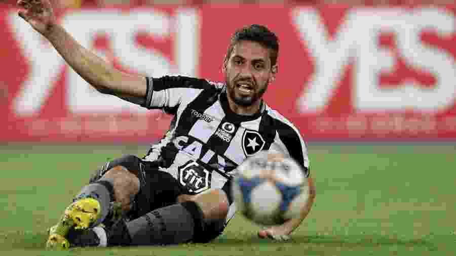 Gabriel revelou desejo de ficar no clube à diretoria, e Botafogo abrirá negociação - VITOR SILVA/SSPRESS/BOTAFOGO