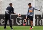 Corinthians treina com Ederson e Ramiro, mas aguarda Yony González
