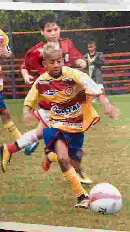 Atacante Vinícius quando ainda era jogador das categorias de base do Madureira - Arquivo Pessoal - Arquivo Pessoal