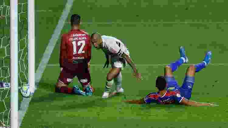 Gol de Daniel Alves - Marcello Zambrana/AGIF - Marcello Zambrana/AGIF