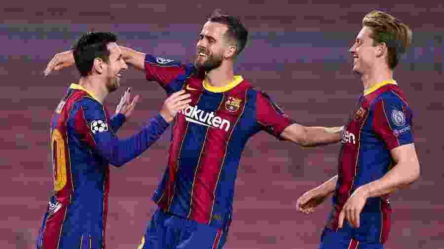 Messi celebra gol do Barcelona contra o Dínamo de Kiev -  Pedro Salado/Getty Images