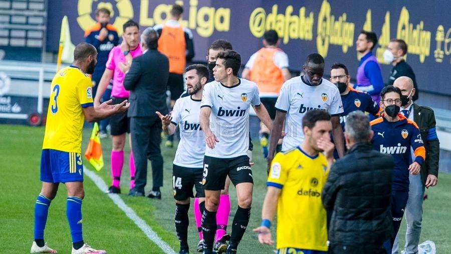 Valencia abandona campo após insulto racista contra jogador francês - Reprodução/Valencia/Twitter