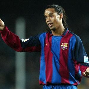O atacante Ronaldinho Gaúcho no Barcelona