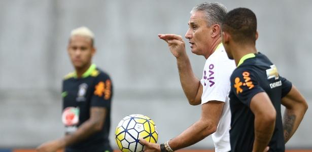 Tite concluiu em conversa com o técnico do Barça de que Neymar rende melhor na esquerda