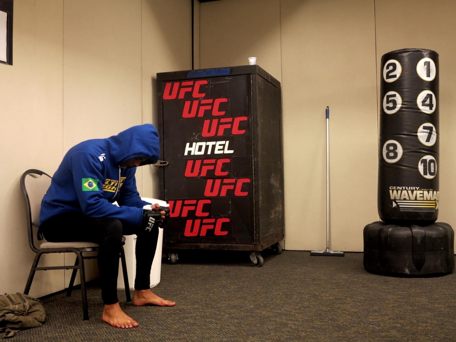 Paulo Borrachinha treina para seu primeiro UFC, em Fortaleza