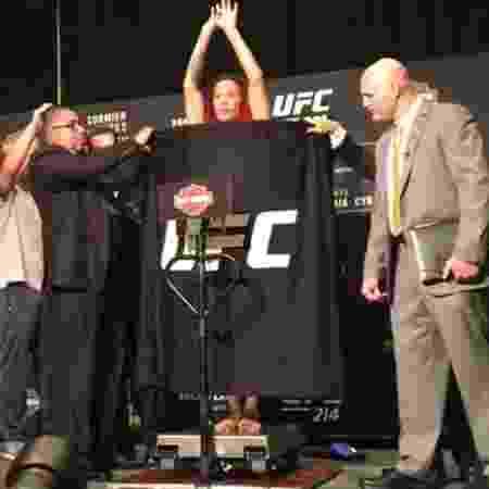 Cris Cyborg bate o peso da categoria dos penas e confirma presença no UFC 214 - Reprodução - Reprodução