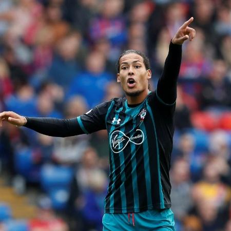 O zagueiro Virgil van Dijk durante uma partida do Southampton - David Klein/Reuters
