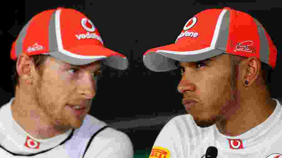 Button e Hamilton trabalharam juntos na McLaren entre 2010 e 2012 - Tim Chong/Reuters