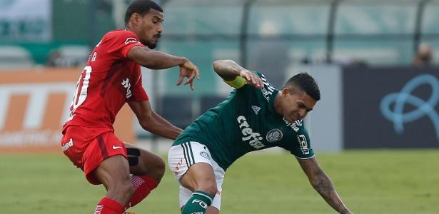 Chateado com cobrança de torcedores, Dudu não comemorou gol contra o Inter