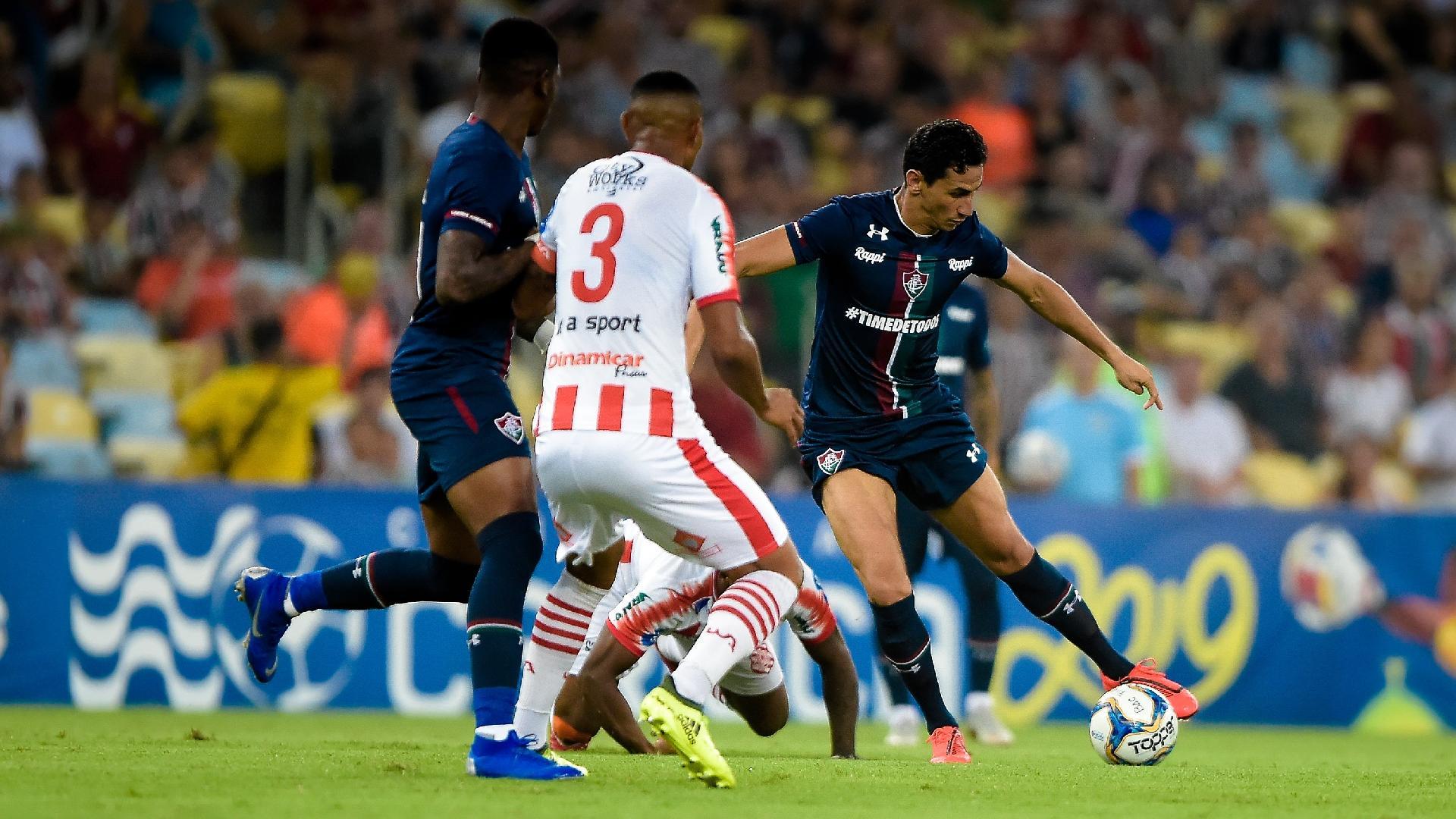 Ganso dá passe durante estreia pelo Fluminense contra o Bangu