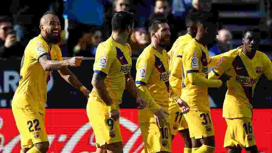 Arturo Vidal comemora depois de anotar o gol da vitória do Barcelona contra o Leganés - Pierre-Philippe Marcou/AFP