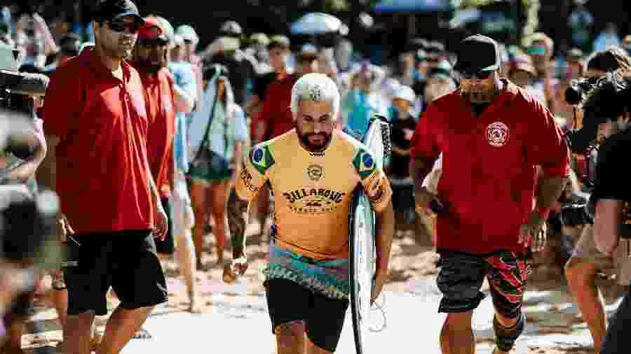 Italo Ferreira na final em Pipeline - Ed Sloane/WSL via Getty Images