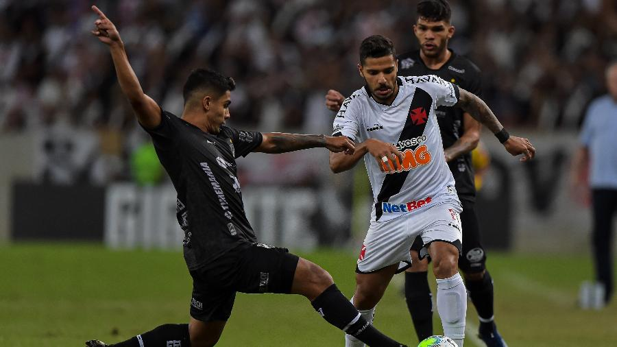 Lateral Henrique foi formado no Vasco, o único clube que defendeu até então na carreira: ele está próximo do Lyon - Thiago Ribeiro/Thiago Ribeiro/AGIF