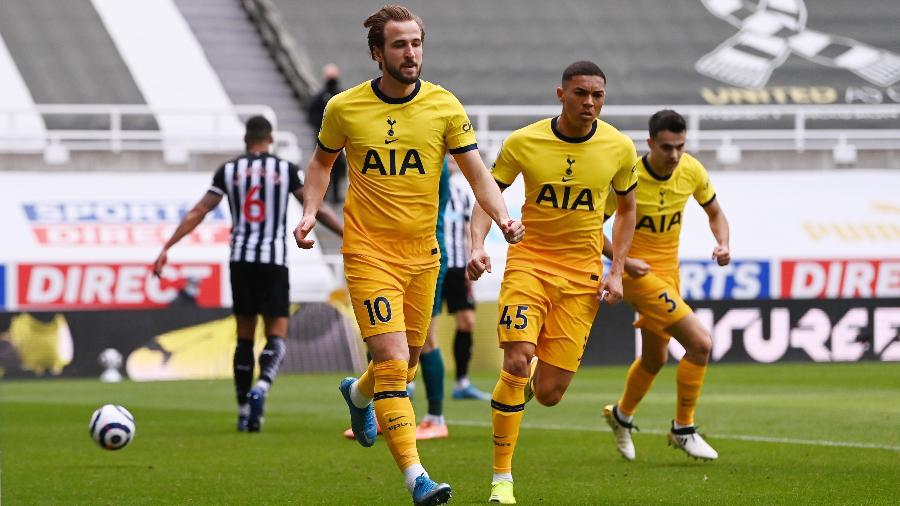 Harry Kane comemora gol do Tottenham no Campeonato Inglês - REUTERS/Stu Forster