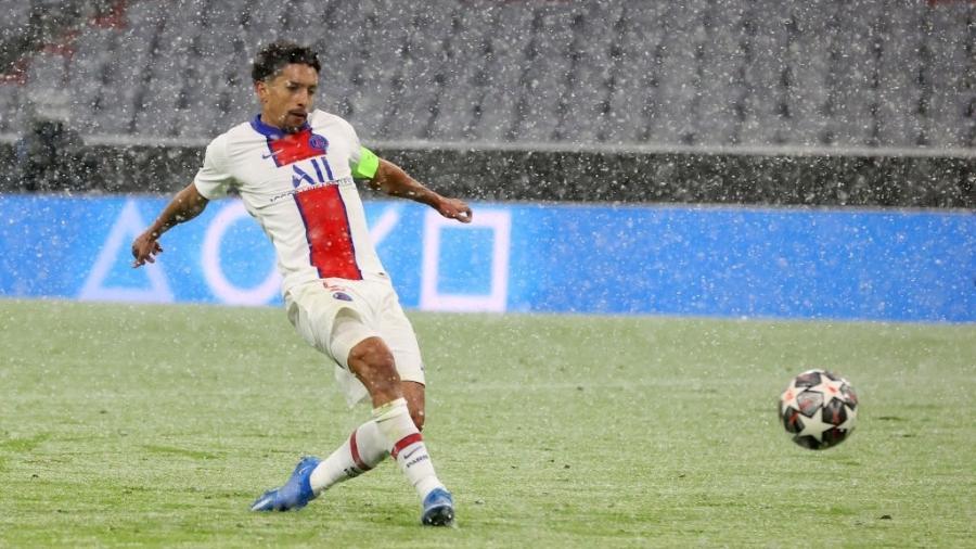 Marquinhos ampliou para o PSG sobre o Bayern de Munique após bonita assistência de Neymar - Alexander Hassenstein/Getty Images