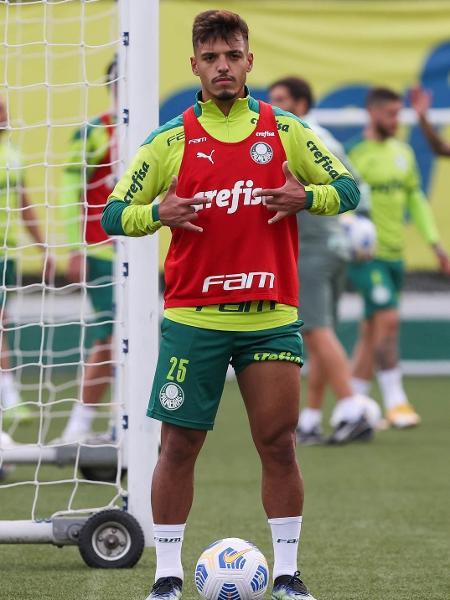 Gabriel Menino durante treinamento do Palmeiras - Cesar Greco/Palmeiras