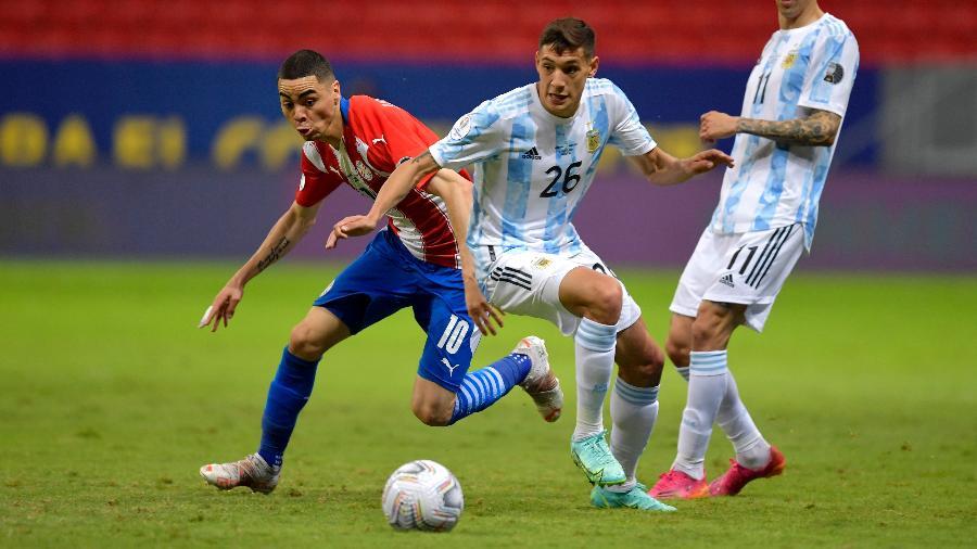 Seleção paraguaia entende que conseguiu controlar Messi, mas pecou com Di María - Pedro Vilela/Getty Images