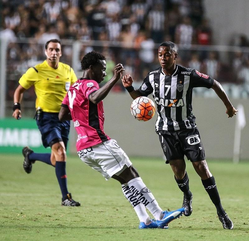 Robinho ficou 38 minutos em campo na estreia pelo Atlético-MG
