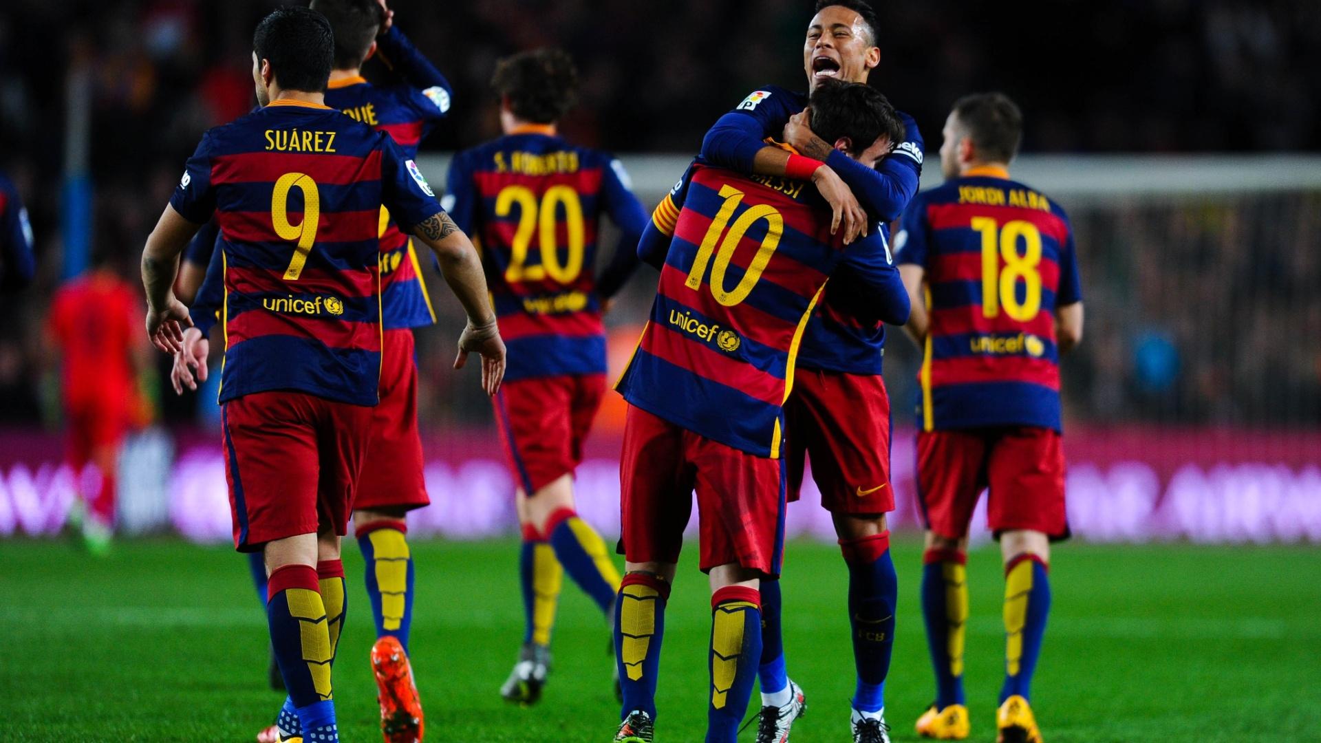 Barcelona comemora gol de Messi contra o Sevilla