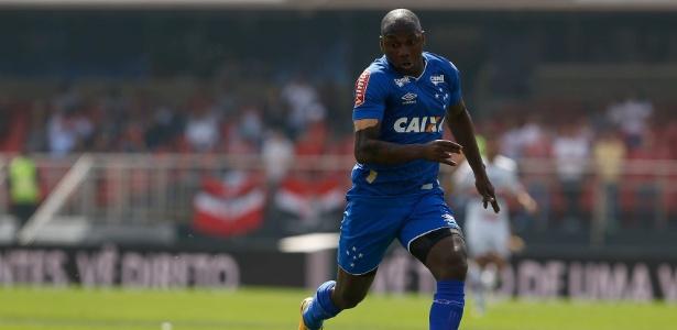 Sassá revelou que Ronaldinho é o maior jogador que viu em ação no futebol