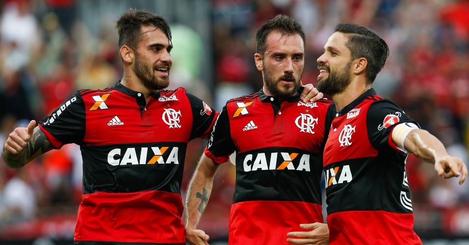 Diego marcou o segundo do Flamengo sobre o Corinthians