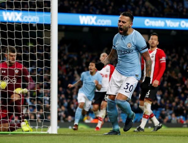 Otamendi assinou novo contrato com o Manchester City