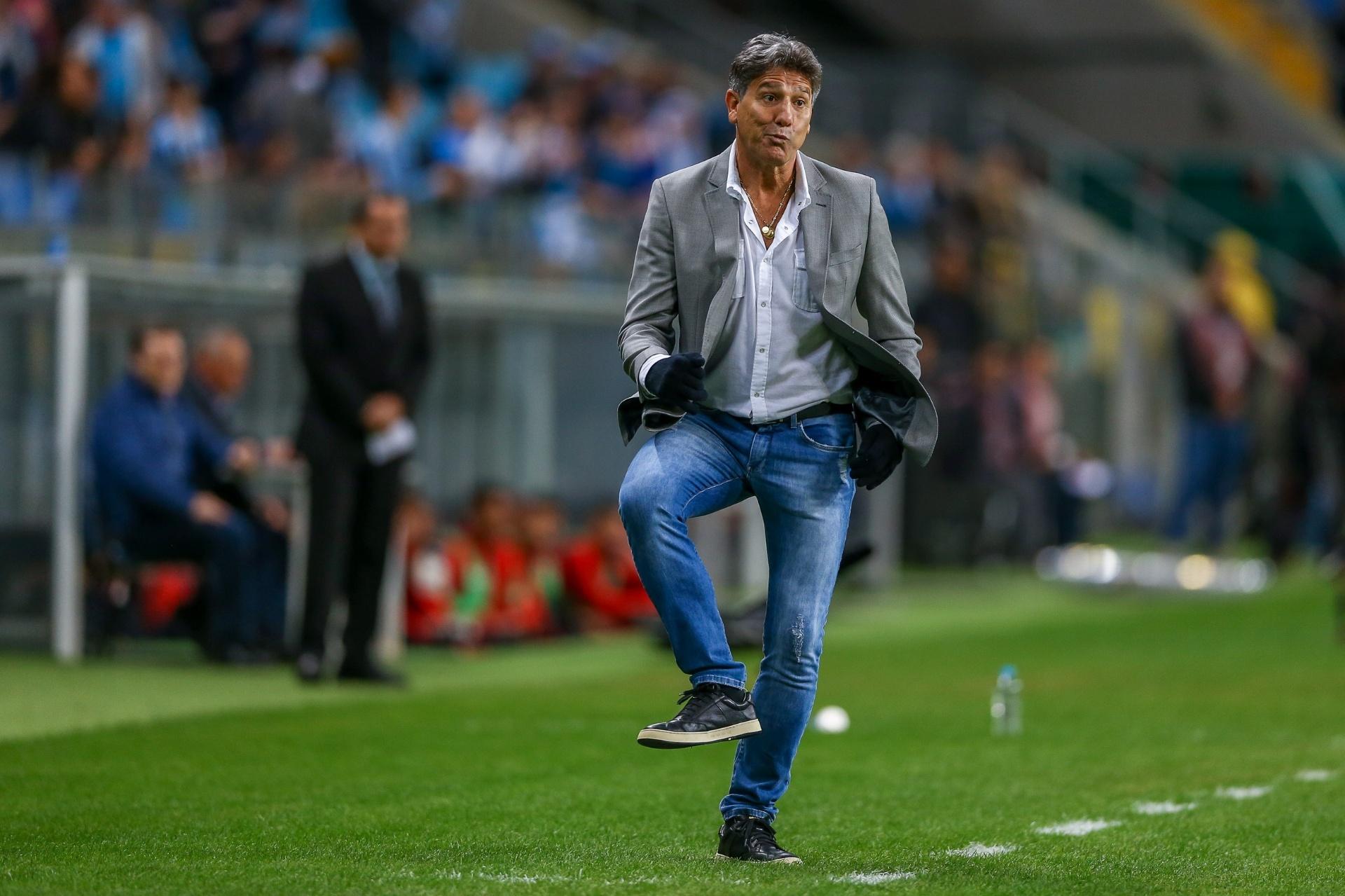 Grêmio se divide entre negociação com Renato e  finais  por Libertadores -  18 11 2018 - UOL Esporte e8e1f4984ca49