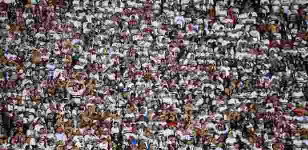 São Paulo já tem 40 mil ingressos vendidos para duelo com o Ceará ... fbf38516ba106
