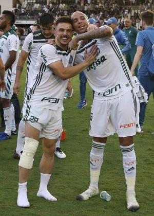 Willian comemorou o título com o joelho machucado em São Januário - Cesar Greco/Ag. Palmeiras/Divulgação