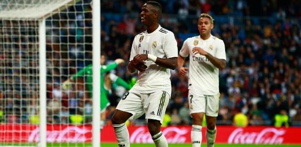 Vinicius Junior comemora depois de anotar o seu segundo gol pelo Real Madrid - Gonzalo Arroyo Moreno/Getty Images