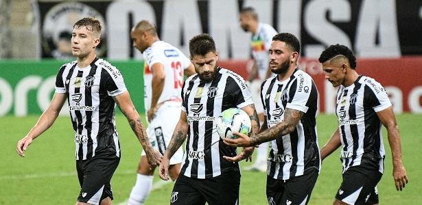 Sóbis faz dois, Ceará goleia Brusque e avança às oitavas da Copa do Brasil
