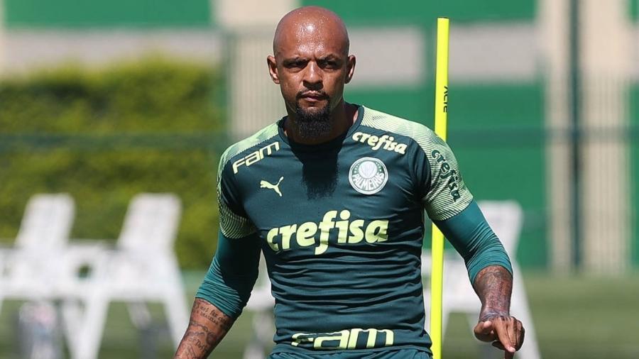 Futuro de Felipe Melo ainda é incerto após presidente do Palmeiras anunciar que não renovará com o volante - Cesar Greco