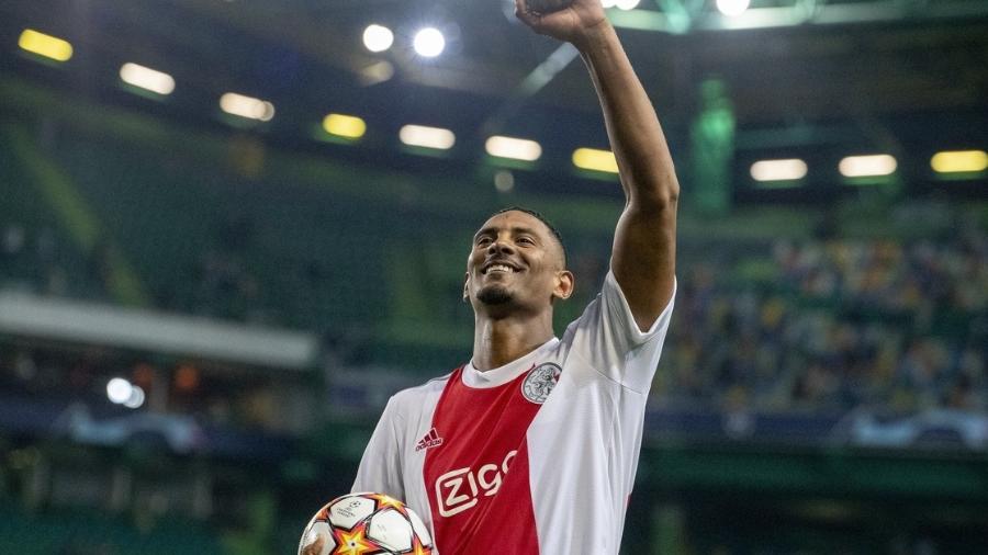 Sébastian Haller marcou quatro gols logo em sua 1ª partida de Champions - Getty Images