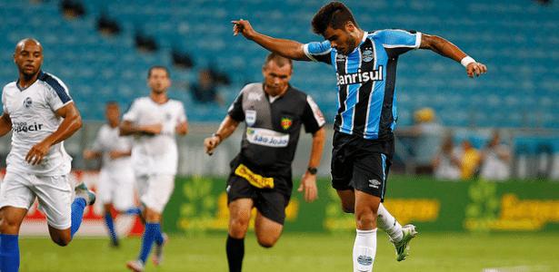 Henrique Almeida, atacante do Grêmio, já disputou dois jogos pelo clube